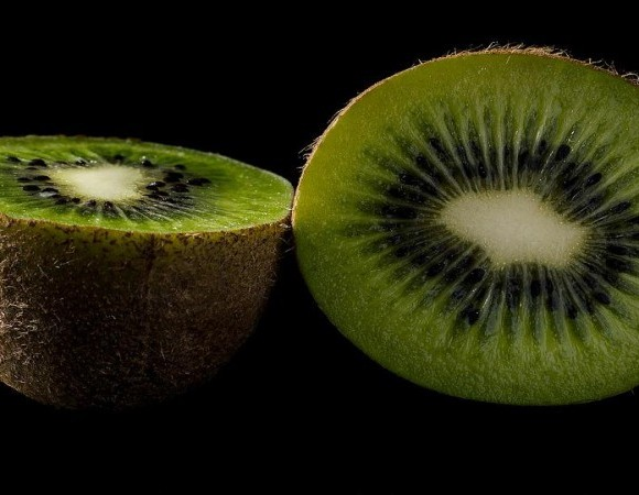 Three Good (And Bad) Fruits to Eat for Healthy Teeth